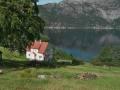 Lyse-Fjord und Haus