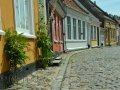 Strassenzug mit alten Häusern