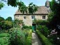 altes Haus mit Garten