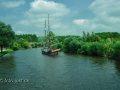 anderes Schiff auf dem Kanal